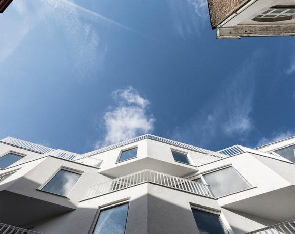 Le finestre definiscono l'estetica dell'edificio